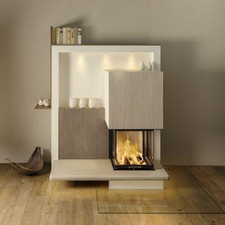 dreiseitiges Heizkamin mit Sitzbank und Feuertisch, Beispiel 1